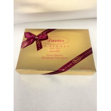 Davies Chocolates Gold Assorted Chocolates Gift Box 140g